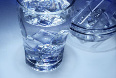 Szkło świeża lodowa woda zdjęcie stock