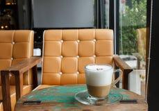 Szkło cappuccino kawa zdjęcia royalty free