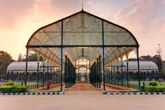 Szkło dom przy Lala Bagh ogródami botanicznymi zdjęcie stock