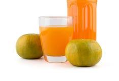 Szkło i butelka sok pomarańczowy Obraz Stock