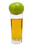 Szkło jabłczany sok z zielonym jabłkiem na wierzchołku Fotografia Royalty Free