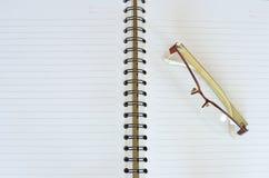 szkło książkowa notatka Zdjęcie Stock