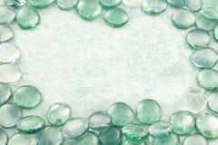 Szkło opuszcza aqua tło Obrazy Royalty Free