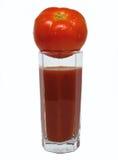 Szkło pomidorowy sok z pomidorem na wierzchołku Obrazy Royalty Free