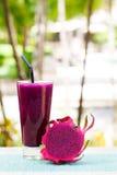 Szkło smoka owocowy smoothie, sok i świeży pitahaya, Fotografia Stock