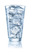 Szkło woda mineralna z lodem Z ścinek ścieżką Obraz Royalty Free
