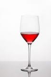 Szkło czerwone wino z odbiciem Zdjęcia Stock