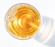 Szkło piwo Odgórny widok lager piwo lub lekki piwo Fotografia Stock