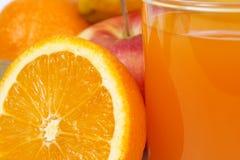 Szkło sok i owoc Zdjęcia Stock