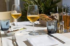 Szkła wino na stole Obraz Stock