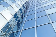 Szklana i stalowa fasada nowożytny budynek biurowy Zdjęcie Stock