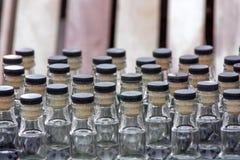 Szklane butelki z butelki stopper Zdjęcia Stock