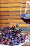 szklane winogrona czerwone wino Obraz Stock