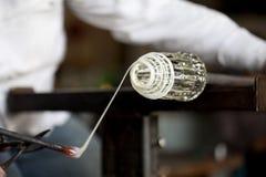 szklanego glassblower stopiony kształtujący opakowanie obraz royalty free