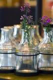 szklanej wazon kwiaty Obraz Royalty Free