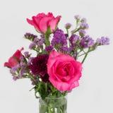 szklanej wazon kwiaty Fotografia Stock