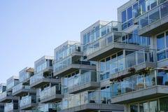 Szklani balkony w kondygnacja domu zdjęcie royalty free