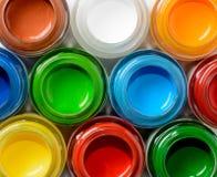 Szklani słoje z guaszem malują odgórnego widok Fotografia Stock