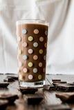 szklanki mleka czekoladowego Zdjęcia Stock