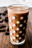 szklanki mleka czekoladowego Zdjęcia Royalty Free