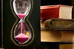 szklany książka piasek Fotografia Stock