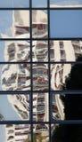 Szklany odbicie i nieprzezroczysty szkło Zdjęcie Stock