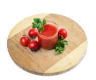 Szklany pełny świeżo przygotowany pomidor zdjęcia royalty free