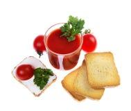 Szklany pełny świeżo przygotowany pomidor fotografia stock