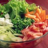 Szklany puchar z cutted warzywami fotografia tonująca Obrazy Royalty Free