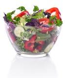 Szklany puchar z warzywami dla sałatki fotografia royalty free