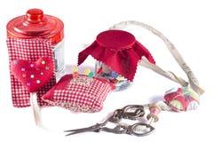 Szklany słój, Igielna skrzynka i Kruszcowi nożyce, Zdjęcie Stock