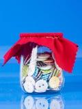Szklany słój z guzikami Zdjęcie Royalty Free