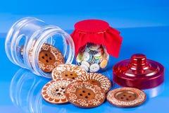 Szklany słój z guzikami Fotografia Royalty Free