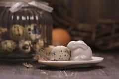 Szklany słój z przepiórek jajkami Obraz Royalty Free