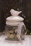 Szklany słój z przepiórek jajkami Zdjęcia Stock