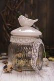 Szklany słój z przepiórek jajkami Fotografia Royalty Free