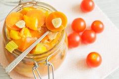 Szklany słój z warzywa ragout Zdjęcia Royalty Free