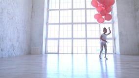 Szkoła baletowa Baletnica z różowymi kulkami zbiory wideo