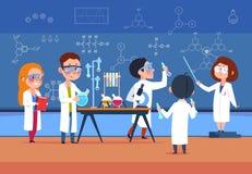 Szkoła dzieciaki w chemii lab Dzieci w nauki laboratorium robią próbnym kreskówka uczniom dziewczyny i chłopiec w klasie wektor ilustracja wektor