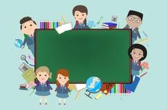 Szkoła, tło, dzieci na tle uczy kogoś kredę Zdjęcie Royalty Free