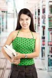szkoła wyższa biblioteki uczeń Zdjęcia Royalty Free