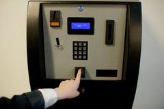 Szkolna biometryczna odcisk palca przeszukiwacza maszyna zdjęcia stock