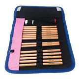 Szkolna ołówkowa skrzynka z koloryt ołówkami uwypukla imię obraz royalty free