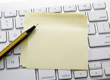 Szkolne i biurowe dostawy odizolowywać na bielu Obrazy Royalty Free