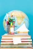 Szkolni akcesoria na desktop Zdjęcie Royalty Free