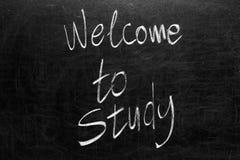 Szkolny blackboard z wiadomością Obrazy Royalty Free