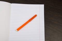 Szkolny notatnika papier E r r _ materiały obrazy stock