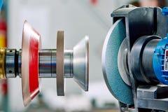 Szlifierski maszynowy narzędzie dla ostrzyć Zdjęcia Stock