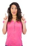 Szokująca brown z włosami kobieta wskazuje out Zdjęcia Stock