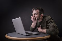 Szokująca laptop zawartość obraz stock